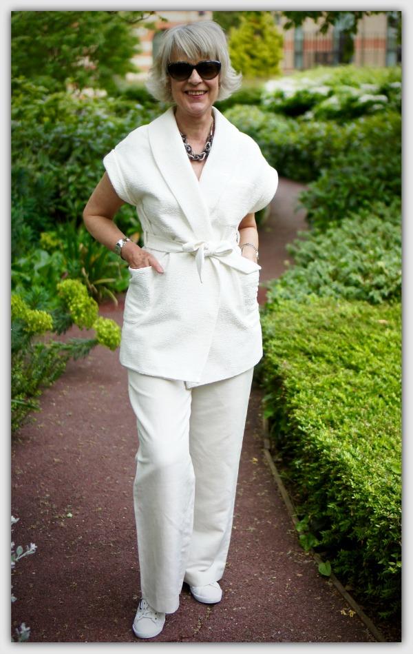 Fashion advice for 40+ women Cream kimono jacket + cream linen trousers